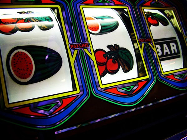 'Rigged' slots among complaints about AZ casinos