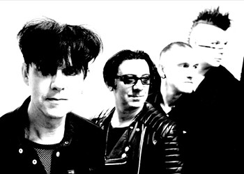 Going round with Clan of Xymox's Ronny Moorings