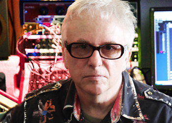 Punk '77 survivor Wreckless Eric has gone around the whole wide world making noise for 40 years