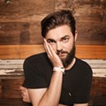 Nick Thune brings sharp wit, acoustic noodling to Backbooth