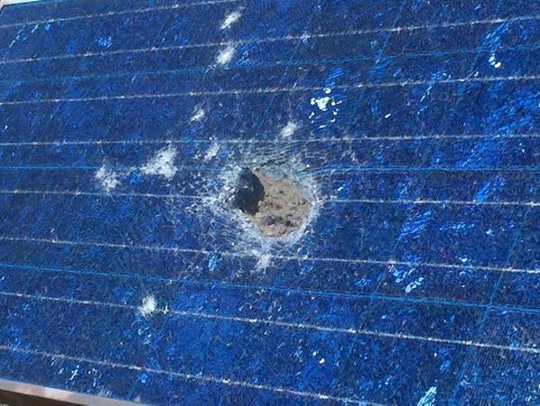 broken-solar-panel_20111029141511jpg
