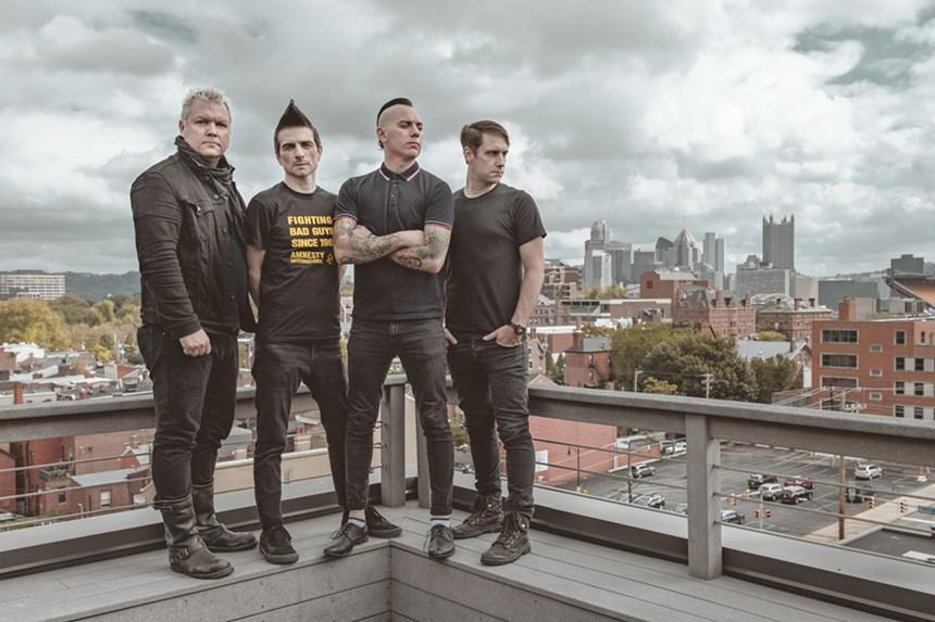 The punkers of Anti-Flag. - ATOM SPLITTER PR