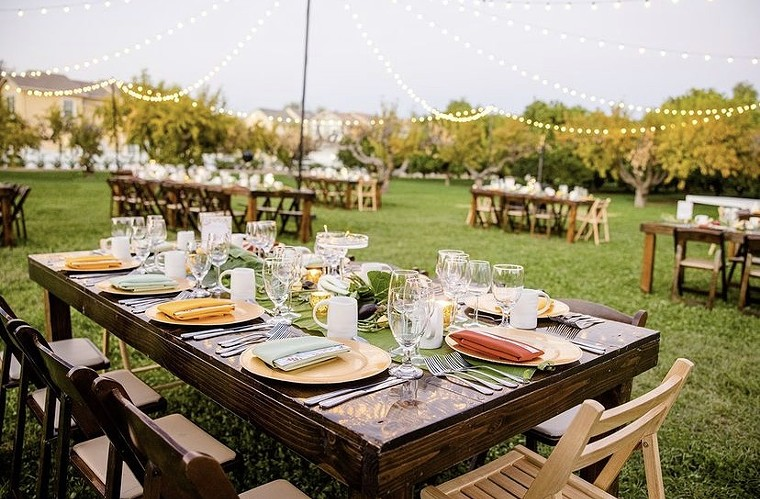 Chef Tom and Lin Baumbach's new supper club hosts dinners at picturesque locations like Agritopia Farm. - TLC EXPERIENCE