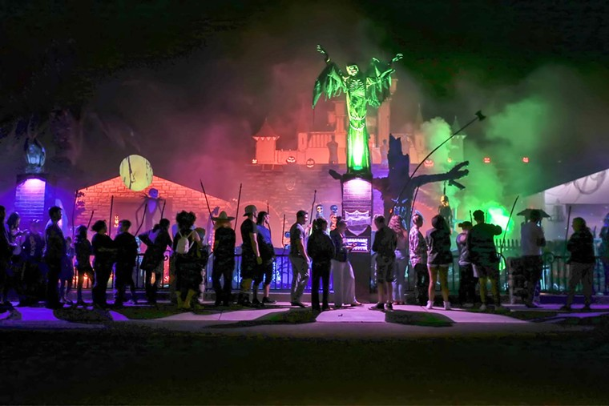 Haunted Graveyard in Scottsdale draws crowds every year. - ROBERT ZALE