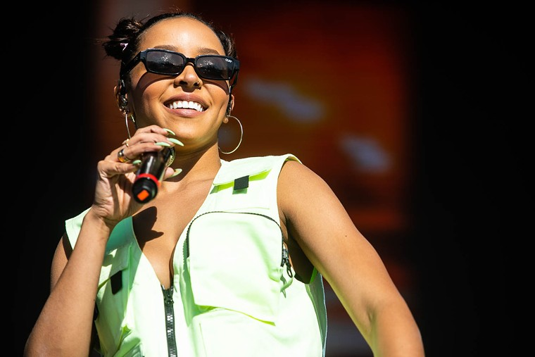 Tinashe during a 2019 concert in the Valley. - JIM LOUVAU