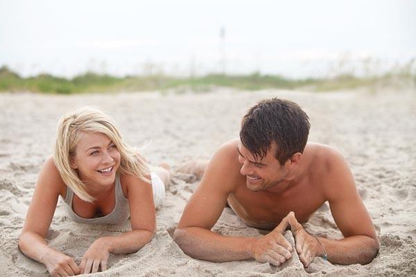 Beach buddies: Julianne Hough and Josh Duhamel