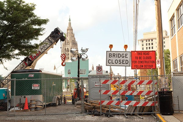 Bridge construction on South Highland Avenue