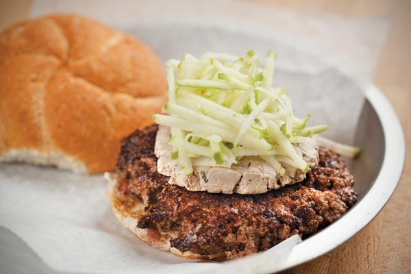 Burger with rosemary-balsamic goat cheese and green apples