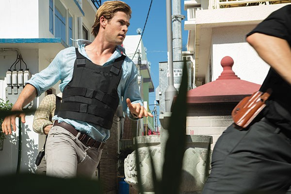 Chris Hemsworth: Super-sexy hacker