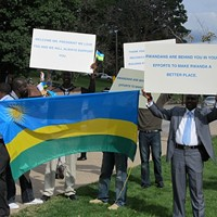 Demonstrators <i>supporting</i> Paul Kagame's partnership with CMU