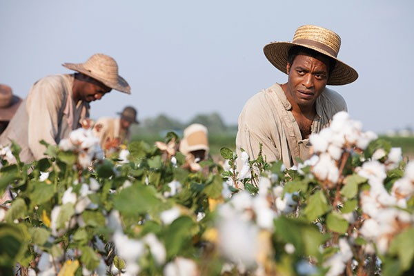Field work: Platt (Chiwetel Ejiofor) picks cotton.