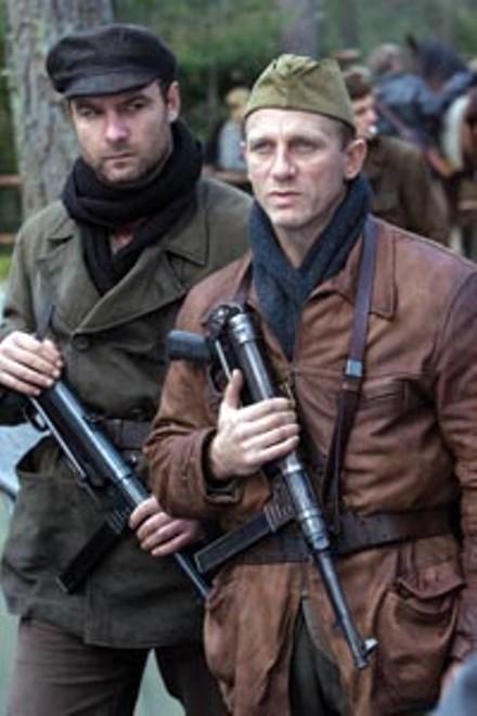 Generic heroes: Liev Schreiber (left) and Daniel Craig.