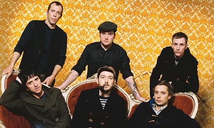 Good news for people who love Johnny Marr: Modest Mouse