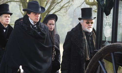 Goth night: Lawrence Talbot (Benicio del Toro), Gwen (Emily Blunt) and John Talbot (Anthony Hopkins)