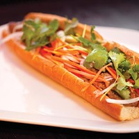 Grilled-pork <i>banh mi</i>