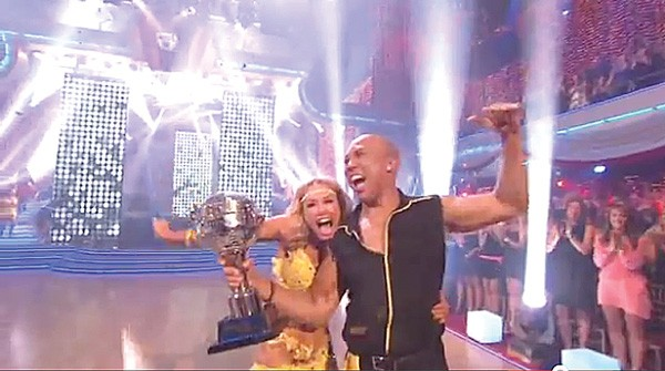 Hines Ward and Kym Johnson celebrate their Dancing with the Stars victory