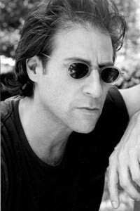 """I couldn't tolerate anyone I knew, but really adored strangers"": Richard Lewis"