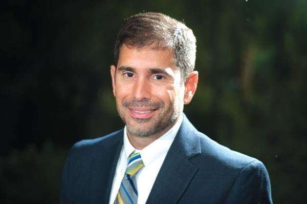 Luis Fabregas.