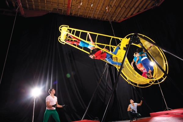 """Mad trajectories"": The ""Whizzing Gizmo"" from STREB: Forces."