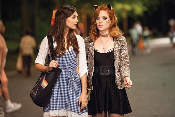 O brother, where art thou? Victoria Justice and Jane Levy