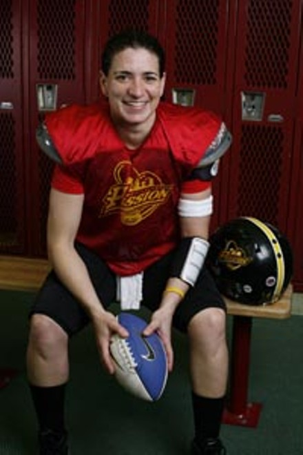 Quarterback Lisa Horton - HEATHER MULL