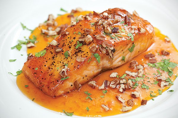 Salmon with white balsamic-apricot glaze