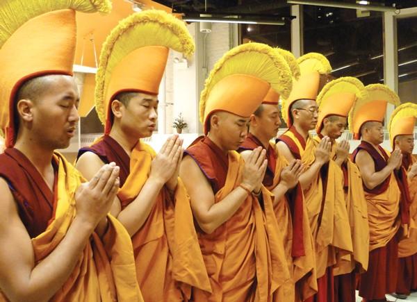 sl_monks_06.jpg
