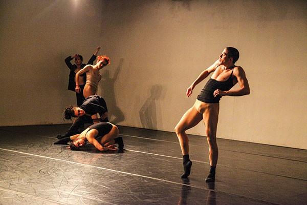 Sidra Bell Dance New York rehearses garment.