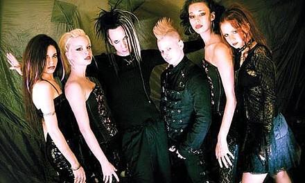 Spare the umlaut, spoil the band: Crüxshadows