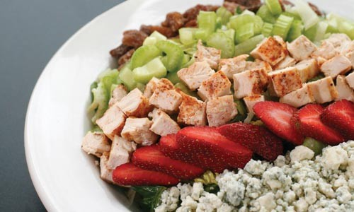 Strawberry and candied-pecan salad with grilled chicken - HEATHER MULL