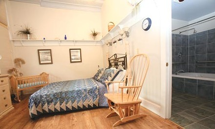 The Midwife Center's 'Ocean' birthing suite