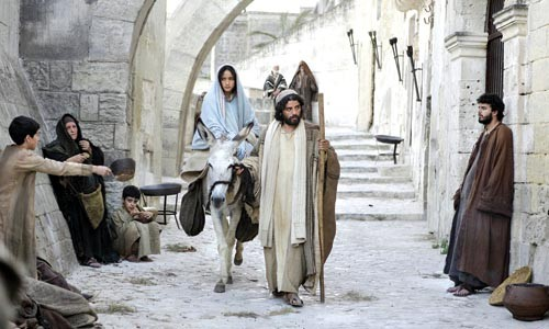 The road to Bethlehem: Keisha Castle-Hughes and Oscar Isaac