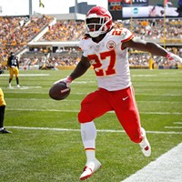 Kareem Hunt of the Kansas City Chiefs celebrates his touchdown against the Steelers.