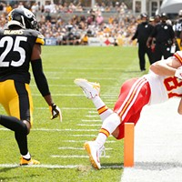 Travis Kelce of the Kansas City Chiefs makes a touchdown catch in front of Steelers Artie Burns.
