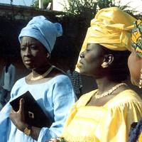 <i>Faat Kiné</i>