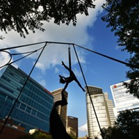 Photos: Circus Arts at the Friday Night Market