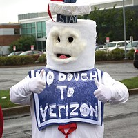 Verizon, CWA agree to contract; little guy's news story is pulled