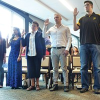 Mexican immigrants in Pittsburgh and across the country are trailing other foreign-born citizens in getting U.S. citizenship