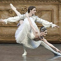 Olga Kifyak and Evgeniy Svetlitsa in Russian Grand Ballet's <i>Sleeping Beauty</i>