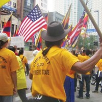Free Tibet protesters during the 2009 G-20