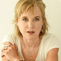 Showing the gleam under the mess: Kristin Hersh