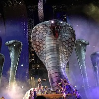 Taylor Swift brings fire, glitter, and so, so many snakes to Heinz Field