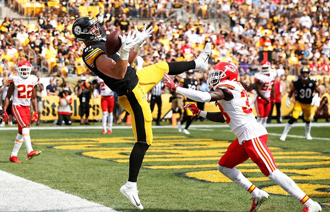 Jesse James of the Steelers misses catching a touchdown pass in front of Ron Parker of the Kansas City Chiefs. - CP PHOTO: JARED WICKERHAM
