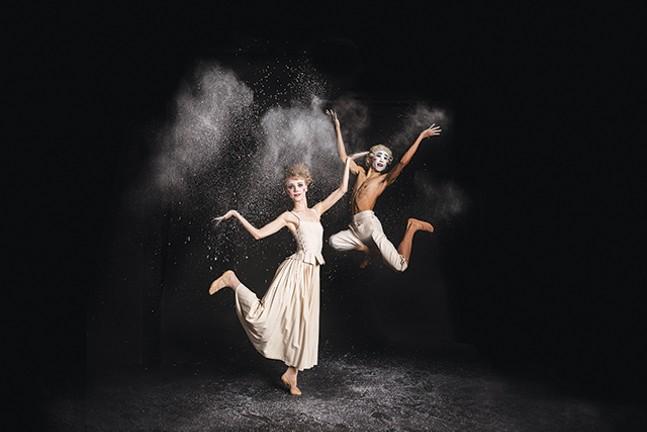 Amanda Cochrane and Yoshi Nakano in Jiří Kylián's Sechs Tänze - DUANE RIEDER