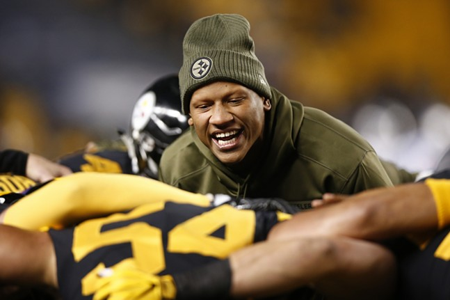 Ryan Shazier gets the linebackers pumped up. - CP PHOTO: JARED WICKERHAM
