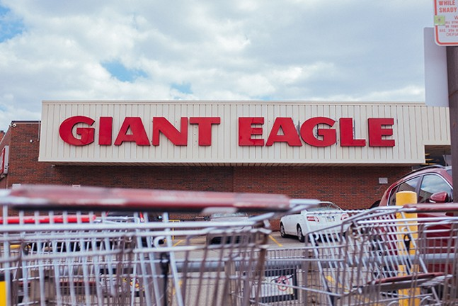 Shakespeare Giant Eagle shopping center at Penn and Shady - CP PHOTO: JARED MURPHY