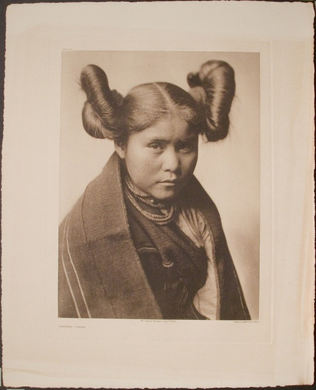 Chaíwa – Tewa, 1921 - EDWARD S. CURTIS (1868-1952) / COLLECTION OF THE DUBUQUE MUSEUM OF ART, DUBUQUE, IOWA