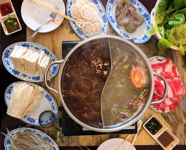 Hot pot at Hunan Bar - CP PHOTO: MAGGIE WEAVER