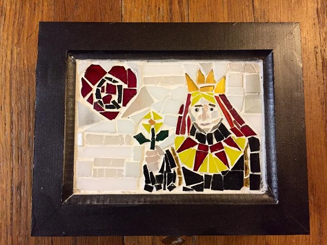 Queen of Hearts Treasure Box by Dawn Glassworks - PHOTO: DAWN WALLHAUSEN