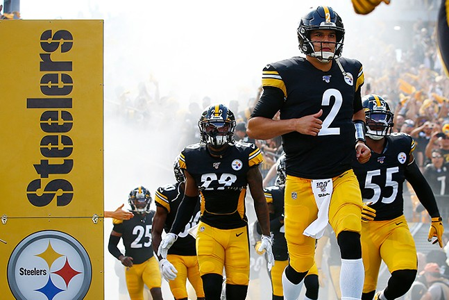 Pittsburgh Steelers takes the field during a game on Sept. 15, 2019 - CP PHOTO: JARED WICKERHAM